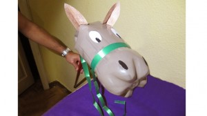 Crea-caballo-botella-plastico_MDSIMA20120907_0319_1