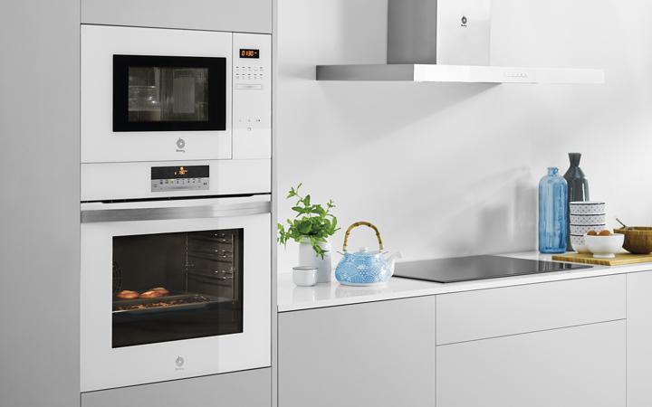 ¿Qué recipientes se pueden meter en el microondas?
